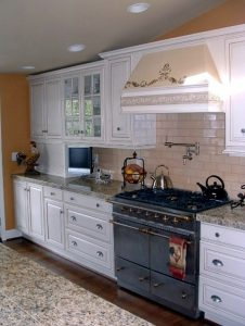 White kitchens can be either contemporary or traditional, but they never really go out of style.